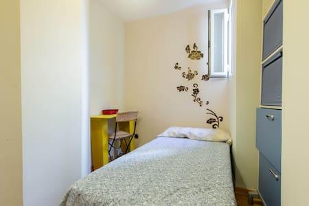 Habitación pequeña/small 1 persona