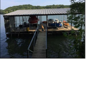 Beaver Lake House with Private Dock - House