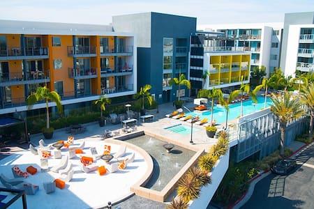 Lush Beach Suite in Marina Del Rey