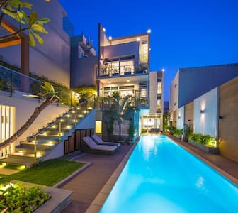 Modern Villa with Private Pool (1) - Hus