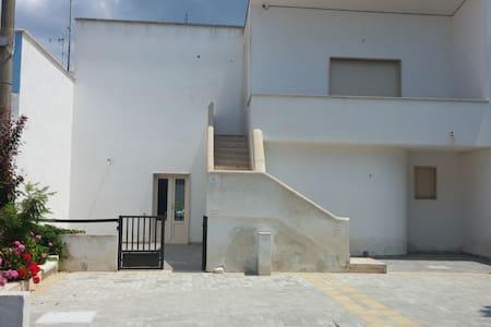 Appartamento 200 mt dal mare - Lido Marini - Haus