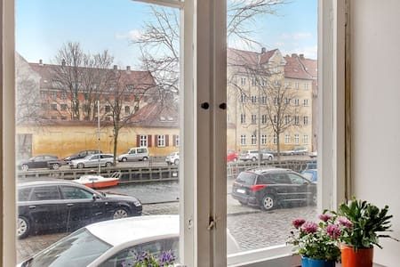 Directly on Christianshavns Canal. - Appartamento