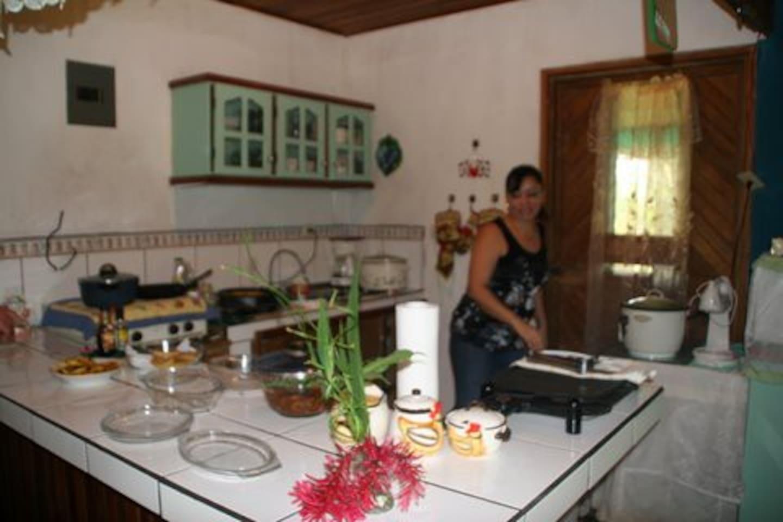Esta es la cocina de mi hogar.