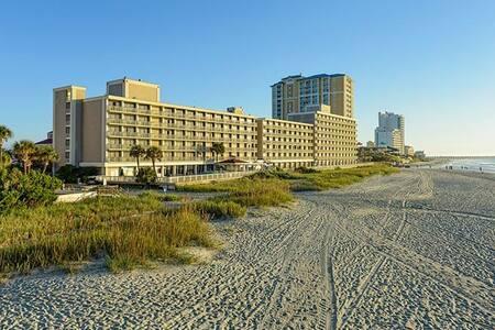 Myrtle Beach Oceanfront Retreat!
