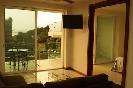 Donwtown condo with ocean view