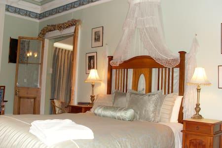 Deluxe Ensuited Room - Rosetta - Bed & Breakfast