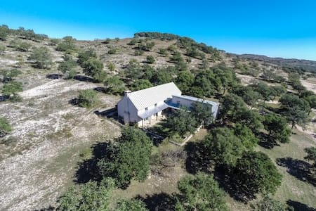 Hill Country Hideaway - Blanco - House