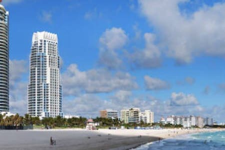 Modern 1 Bedroom, South Beach