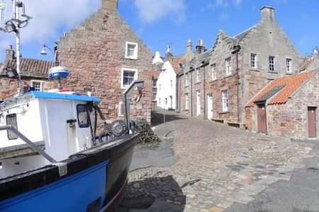 Oor wee butt n ben by the sea,Crail - Crail - House