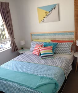 ROOM IN MOOLOOLABA CLOSE TO BEACH