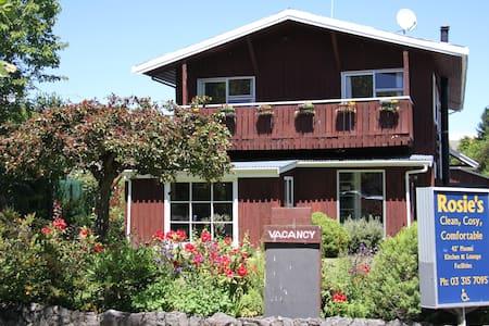 Rosie's B&B - Chalet En-suite - Hanmer Springs