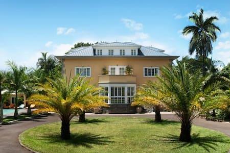 Maison D'Hotes Coignet - Huis