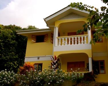 Maison Marikel Apartement No. 1 - Pointe Au Sel