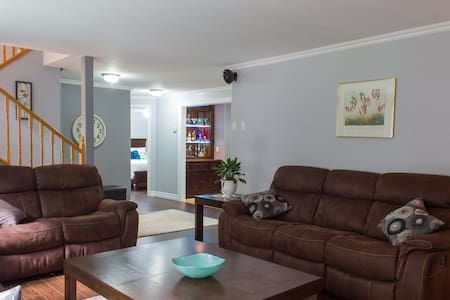 Modern comfort in a country setting - Middle Sackville - Huoneisto