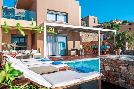 Modern villa next to the beach - Elounda - Villa