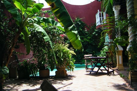 Historical home & Pool, Twin room - Rumah