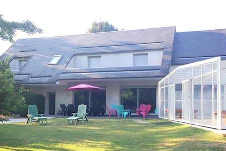 Villa cœur châteaux, piscine couverte, tennis - Chouzy-sur-Cisse - Villa