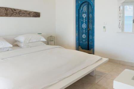 Private 2 rooms bungalow in Bingin