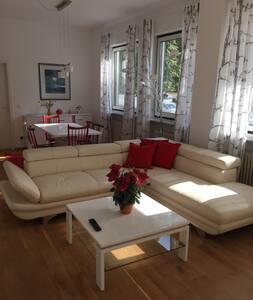 Moderne Ferienwohnung in Starnberg - Starnberg - Apartment