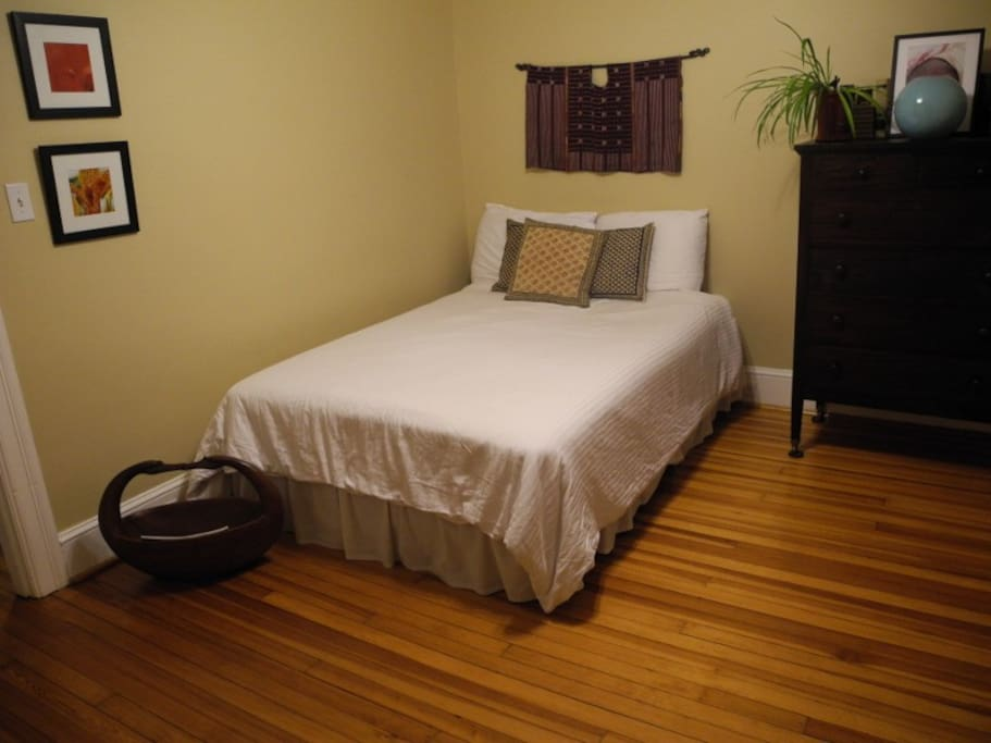 Guest bedroom - comfy full sized bed.