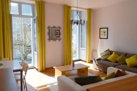 Cool apartment in Alpine town - Leilighet
