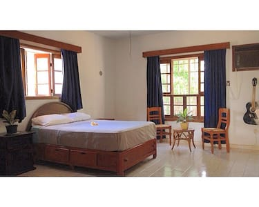 Room type: Private room Bed type: Real Bed Property type: House Accommodates: 2 Bedrooms: 1 Bathrooms: 1