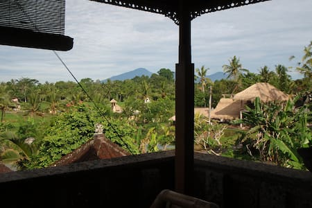 QUAINT BALINESE STYLE AMAZING VIEWS