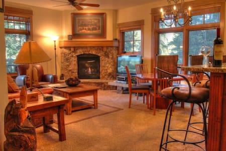 3003 Lone Eagle - Keystone - Apartment