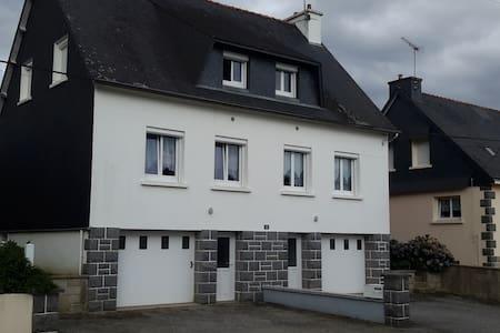 Maison mitoyenne - House