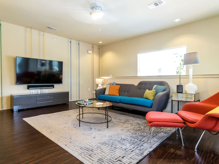 Downtown WOW Condo EVERYTHING FREE