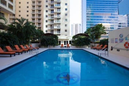 Fully furnished condo in Brickell