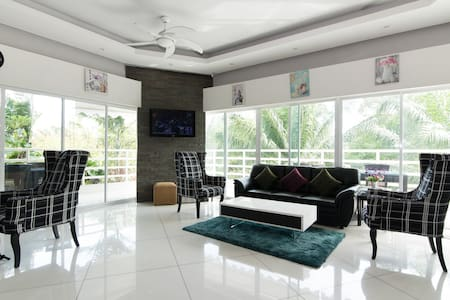 Studio Room with Balcony 48 Sq Mtr