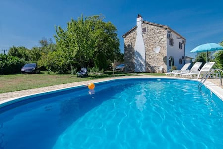 Lovely Stone House with pool - walnut house ,Croatia,Istria