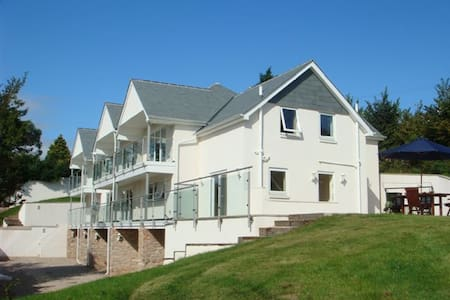 Stoke Gabriel Lodgings 5* Gold B&B - Totnes - Bed & Breakfast