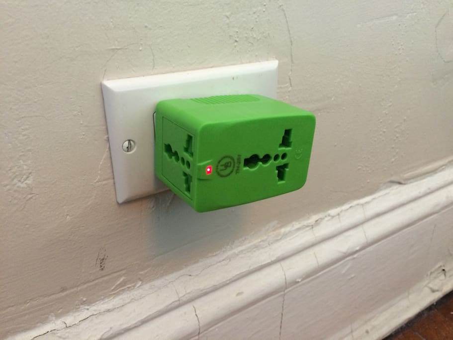 Universal electrical outlet plug