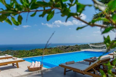 1 km to the Sea with Panoramic Views - Villa
