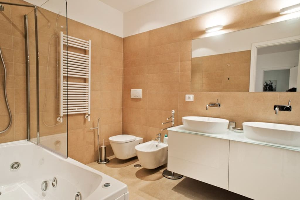 Ara Pacis: apartment with Jacuzzi