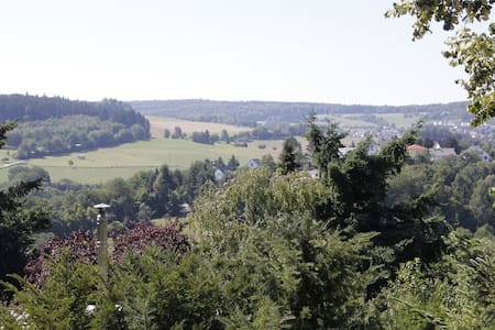 Spacious flat with gorgeous view - Schlangenbad  - Wohnung