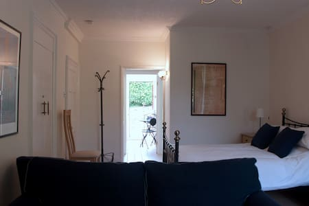 Delightful and cosy studio apartment - Hexham - Apartment