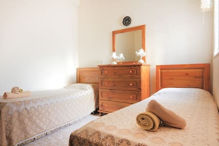Room with 2 beds near Valletta - Pieta