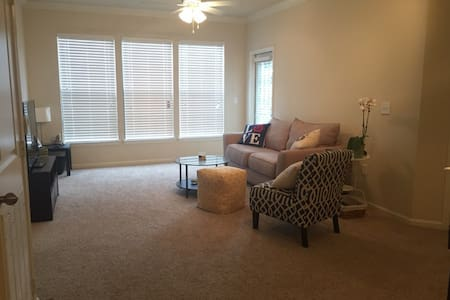 Comfortable and quiet private room!