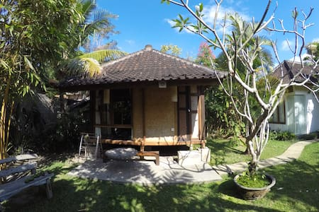 Peaceful Garden Hut In Ubud