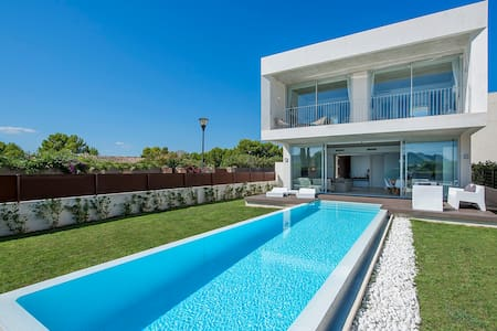 Villa Barcares on beach - Alcúdia