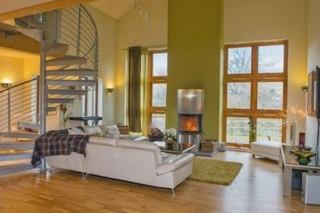 Glenshee Cairngorm Holiday Villa - House
