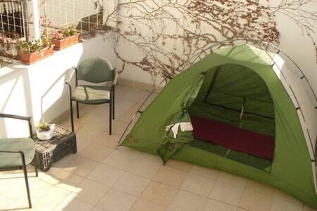 Rent-a-tent in sunny Mendoza
