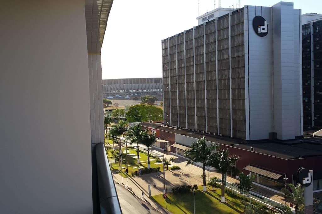 Vista do Estádio Nacional de Brasília e shopping ID