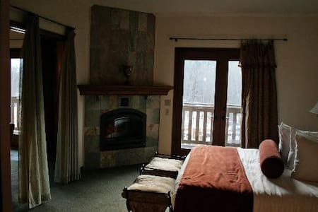Leavenworth Blackbird Lodge - 1BR