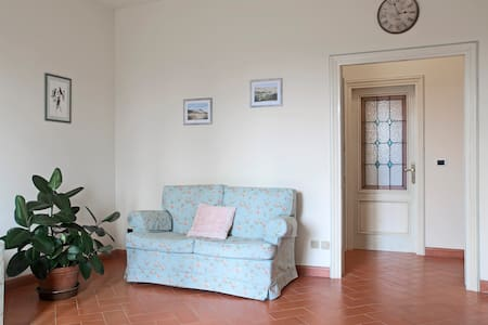 The 2 Rooms,suite @ 25' to Florence - Tavarnelle - House