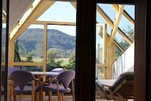 Designdachwohnung - Blick ins Grüne