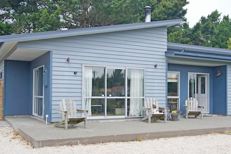 Amberly Beach House -Quiet Location - Amberley - Bed & Breakfast